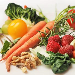 comida sana llena de colores